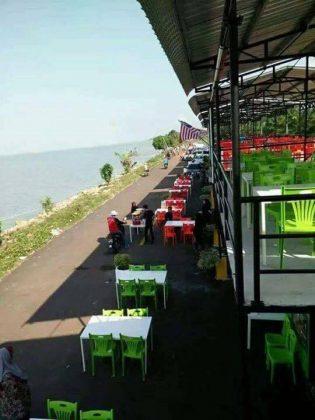 Port Makan Sungai Lurus Senggarang
