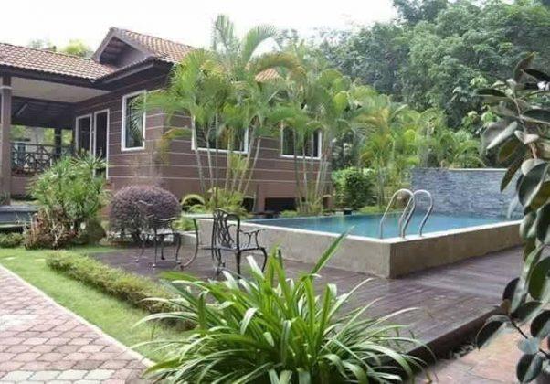 Villa Rimbun Desa