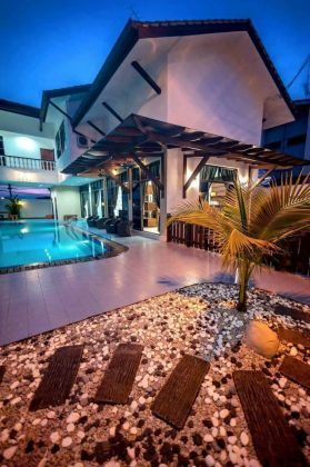 Kluang Swimming Pool Homestay